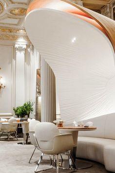 Alain Ducasse au Plaza Athénée | design d'intérieur, décoration, restaurant, luxe. Plus de nouveautés sur http://www.bocadolobo.com/en/inspiration-and-ideas/