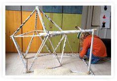 Spelen en bouwen met kranten | Kiind Magazine