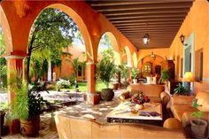 Hacienda de Los Santos Hotel & Spa. Covered walkway