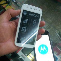 Motorola Moto E  Todas las compañías claro Tricom Orange viva.  Blanco : $3200 Negro : $3000  Teléfono : 809-626-0890 Whatsapp : 809-322-8783.