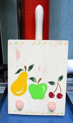 Tabla cocina pintada con acrílicos.