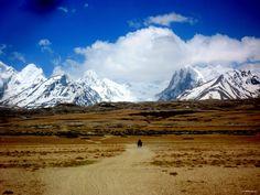 www.dubbelju.com Ride a motorcycle in Tibet!