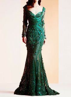 Lebanese fashion designer Ziad Nakad unveiled his new Haute Couture fall/winter 2013 collection of gorgeous evening dresses and gowns. Vestido Dress, Green Gown, Spring Couture, Couture Collection, Bridal Collection, Beautiful Gowns, Couture Fashion, Pretty Dresses, Designer Dresses