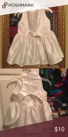Dog bridal dress Perfect for a small to medium size dog. My Pomeranian wore it for my sisters wedding for just an hour and took it off. Great condition. Bought at the pet store for $35, selling at a deep discount on Posh. Other