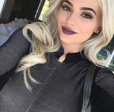 Kardashian/Jenner Blog # Kylie Jenner # eyebrows
