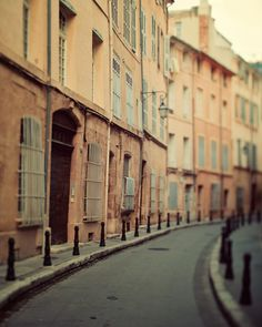 To say I miss these streets would be an understatement... Aix en Provence, France <3