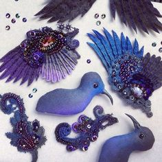 Julia Gorina - www. Tambour Embroidery, Bird Embroidery, Bead Embroidery Jewelry, Embroidery Patterns, Beaded Jewelry, Fabric Crafts, Sewing Crafts, Sculpture Textile, Embroidered Bird