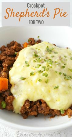 Crockpot Shepherd's Pie for Two Recipe is made in your slow cooker and is an easy way to enjoy a classic comfort food casserole. Ground beef is simmered with rich saucy mushrooms, peas and carrots topped with cheesy mashed potatoes. Crockpot Recipes For Two, Slow Cooker Recipes, Beef Recipes, Cooking Recipes, Dump Recipes, Recipies, Sausage Recipes, Cooking Tips, Small Meals