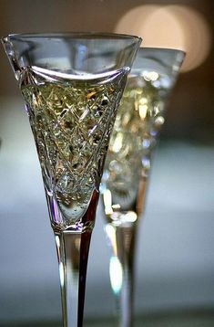 Happy New Year ~ Champagne Toast Crystal Glassware, Waterford Crystal, Champagne Glasses, Champagne Party, Champagne Toast, Gold Champagne, Sparkling Wine, Happy New Year, Happy Weekend