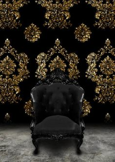 Chair for lounge area of a black and gold wedding - Black Baroque Chair and Black velvet and gold damask wallpaper as a wedding backdrop. Deco Baroque, Modern Baroque, Baroque Decor, Tapete Gold, Looks Dark, Damask Wallpaper, Black Wallpaper, Velvet Wallpaper, Funky Wallpaper