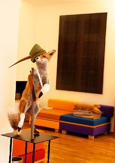 this cheeky fox taxidermy has me wishing he's hobble over into MY place!