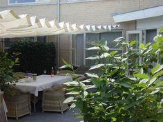 Zeilmakerij Watersleep te Amsterdam maakt en repareert, zonneschermen, zonwering.
