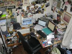 Photo Source Via Gizmodo If you are a sloppy person who has a messy computer desk, then you better check out these messiest desks to make yourself feel a little better for your little messy desk. Last but not least, my messy desk. Geek Bedroom, Messy Bedroom, Requiem For A Dream, Messy Desk, Zeppelin, Clutter, Decoration, Room Inspiration, Funny