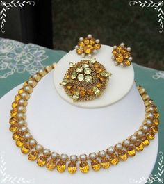 #ESTATEJEWELRY #DESIGNERJEWELRY #VINTAGEJEWELRY #ROBERTJEWELRY #FORMALJEWELRY #BRIDALJEWELRY Vintage Signed Robert Necklace Earrings Lisner Brooch Amber Rhinestone Pearl Wow auction starting at $0.99 place your bid now