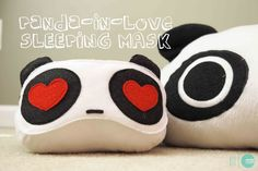 DIY Panda Sleeping Mask @ mintedstrawberry.blogspot.com free pattern