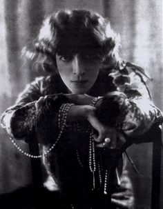 """pariswasawoman: """"Luisa, Marchesa Casati Stampa di Soncino (23 January 1881 – 1 June 1957) was an eccentric Italian heiress, muse, and patroness of the arts in early 20th-century Europe. As the concept..."""