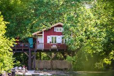 Hungary, Budapest, Places To Visit, Marvel, Cabin, House Styles, Room, Design, Home Decor