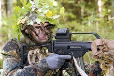 Nachdem ihre Kinder, der 26-jährigeStammhalter Albert (bei der Grundausbildung im Jägerbataillon) …