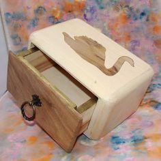 """KADORIS.RO: """"LEBĂDA"""" - Casetă cu sertar (UNICAT, lemn natur)"""