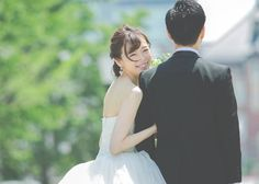 花嫁だけが顔をカメラに向ける振り向きショット特集