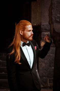 Eleganter-Smoking-Maennermode-Tuxedo-Fliege-Hemd-Style Pensez à are generally fameuse « small gown noire Ginger Men, Ginger Hair, Ginger Beard, Beautiful Long Hair, Gorgeous Men, Red Hair Men, Redhead Men, Rides Front, Awesome Beards