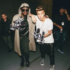 #justinbieber and #william posing for #thevoiceuk