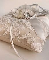 of Floral Bridal White Lace and Champagne Silk Dupioni Ring Pillow -Image of Floral Bridal White Lace and Champagne Silk Dupioni Ring Pillow - Christmas Centerpiece / XL Christmas Centerpiece/ Holiday Wedding Scene, Wedding In The Woods, Wedding Church, Wedding Country, Rustic Ring Bearers, Birch Wedding, Ring Pillow Wedding, Wedding Ring, Ring Pillows