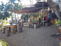 Open air cooking, beer on ice, this is an authentic South African experience Open Air Restaurant, Pergola, Restaurants, Beer, African, Outdoor Structures, Table Decorations, Cooking, Travel
