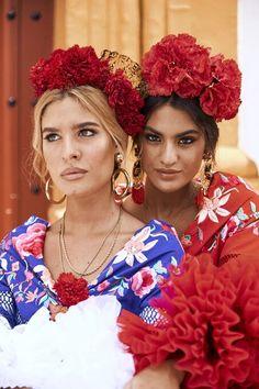Detrás de un buen look de flamenca, hay un maquillaje perfecto – Fashion Trends 2020 Modadiaria 每日时尚趋势 2020 时尚 Spanish Dress Flamenco, Spanish Dancer, Spanish Woman, Flamenco Dancers, Spanish Style, Spanish Wedding, Spanish Fashion, Tribal Dress, Flower Headpiece