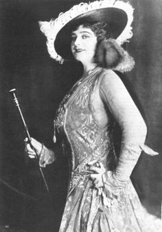 Julian Eltinge (May 14, 1881 – March 7, 1941), born William Julian Dalton, was an American stage and screen actor and female impersonator.     Further information can be found in the Wikipedia article:    http://en.wikipedia.org/wiki/Julian_Eltinge