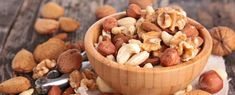 Ontdek hier alle gezondheidsvoordelen van de 8 meest gezonde noten en lees welke noten je helpen om af te vallen. Je leest ook welke nootsoort ongezond is.
