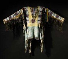 Oglala+Sioux+war+shirt+worn+by+Chief+Black+Bird%2C+late+18th+cent.jpg 300×261 pixels