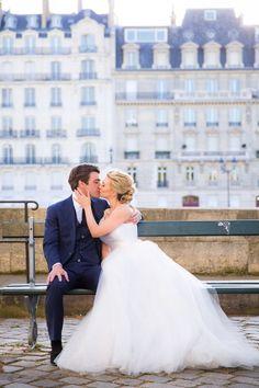 Romantic destination wedding: http://www.stylemepretty.com/destination-weddings/2014/11/10/springtime-in-paris-elopement/ | Photography: Le Secret d'Audrey - http://www.lesecretdaudrey.com/