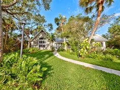 Indian River Drive waterfront home in Fort Pierce, FL. $650,000 in 2017.