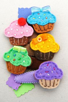 felt cupcake hairpins - forcine dolcetto | Flickr: Intercambio de fotos