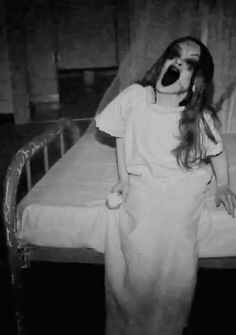 This picture evokes so much fear. I've always been terrified of doctors and insane asylums. I'd like to do something like this, but it might come out cliche.