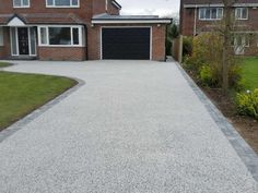Are you looking for the professional driveway repair services in Surrey? MNB Paving Ltd pleased to offer a comprehensive range of Driveway services.Get more details you can call us Block Paving Driveway, Resin Driveway, Resin Patio, Circular Driveway, Rock Driveway, Driveway Repair, Front Garden Ideas Driveway, Driveway Design, Driveway Entrance