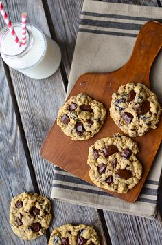 Yammie's Glutenfreedom: The Best Gluten Free Oatmeal Cookies {With Dark Chocolate and Cherries}#more