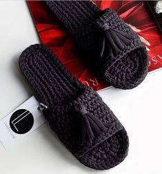Crochet Sandals, Crochet Slippers, Crochet Bikini, Knitting Socks, Baby Knitting, Love Crochet, Knit Crochet, Homemade Shoes, Giraffe Crochet