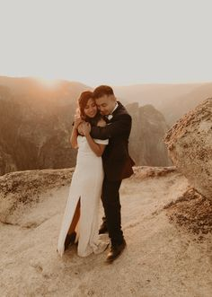 glacierpointelopement yosemitewedding yosemiteelopementphotographer yosemiteweddingphotographer #yosemiteelopementphotography #glacierpointelopement Elope Wedding, Wedding Ceremony, Yosemite National Park, National Parks, Taft Point, Glacier Point, Yosemite Wedding, Couple Weeks, Sunset Photos