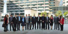 El Puerto de Barcelona presenta a los transitarios su nuevo modelo de gestión y de negocio  Los asistentes a la presentación posan en el World Trade Center de Barcelona, donde tiene su sede la APB.