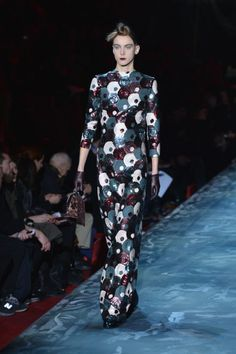 The Dresses We Want Now From The NYFW Runways wait is that a boy or a girl? confused =)