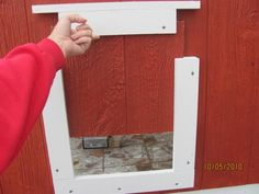 sliding door...this is a great idea! I'm gonna build these!