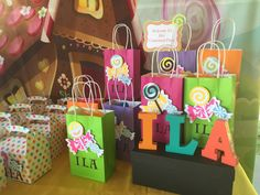 How amazing is this Candy land Birthday Party! Gorgeous Party Favors and more. Made by Monica Salcedo @ Trendy Fun Party 5th Birthday, Birthday Parties, Party Service, Candy Land, Best Part Of Me, Event Decor, Party Favors, Gift Wrapping, Entertainment