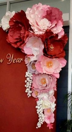 Discover thousands of images about DIY Giant Paper flowers. Easy backdrop flower tutorial with printable flower templates. Large Paper Flowers, Tissue Paper Flowers, Paper Flower Wall, Paper Flower Backdrop, Giant Paper Flowers, Paper Roses, Diy Flowers, Flower Decorations, Fabric Flowers