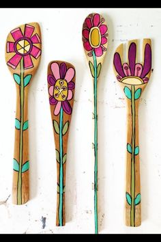 Wooden Spoon flowers to add to Rehearsal Dinner Boquet Wooden Spoon Crafts, Wood Crafts, Fun Crafts, Diy And Crafts, Arts And Crafts, Spoon Art, Wood Spoon, Painted Spoons, Hand Painted