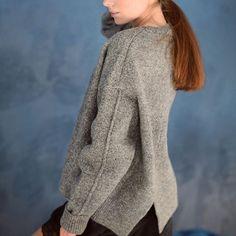 Свитера over size в наличии🙌🏻 розовые, бежевые и серые🔝🔝🔝 #fashionbook#свитероверсайз#свитер#мода#москва#тренд#зима#2017#вналичии