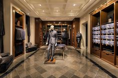Massimo Dutti store at Fifth Avenue New York 05 Fashion Store Design, Clothing Store Design, Boutique Interior Design, Luxury Interior Design, Retail Store Design, Retail Shop, Visual Merchandising, Modegeschäft Design, Suit Stores