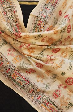Stunning Tussar Silk Dupatta with Kantha work: check the website Indian Attire, Indian Wear, Indian Dresses, Indian Outfits, Desi Wear, Indian Embroidery, Silk Dupatta, Traditional Sarees, Indian Ethnic