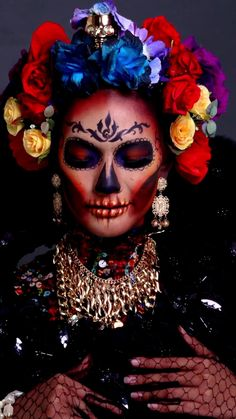 Halloween Makeup Sugar Skull, Sugar Skull Makeup, Sugar Skull Art, Costume Halloween, Halloween Make Up, Vintage Halloween, Dead Makeup, Fantasy Makeup, Creative Makeup